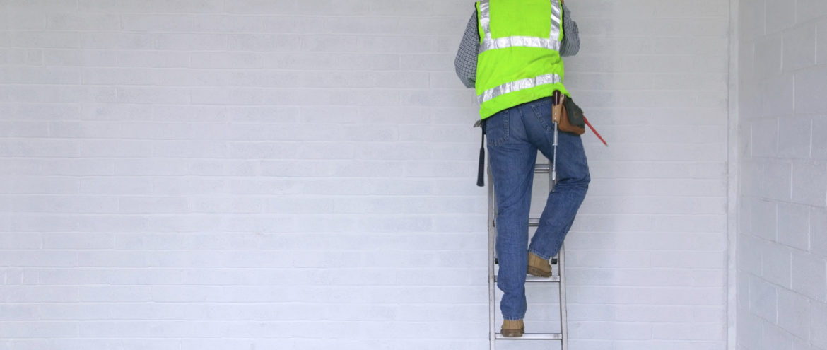 Safety tips for Working with Industrial Ladders and Working at Heights
